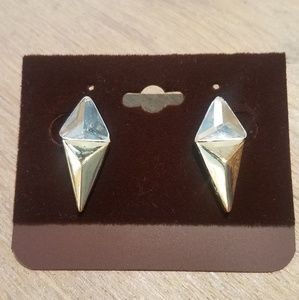 Cone shaped stud double pyramid earrings